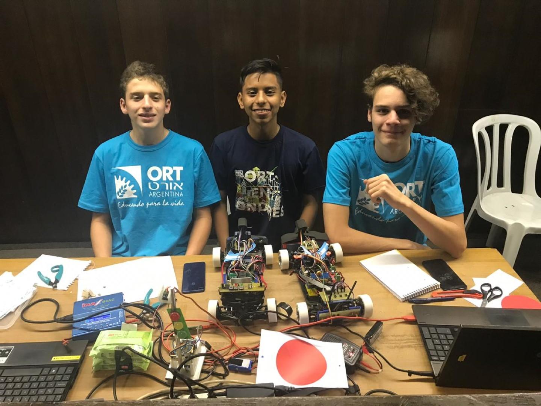 Estudiantes de Mecatrónica brillaron en la competencia internacional Robotraffic 2019