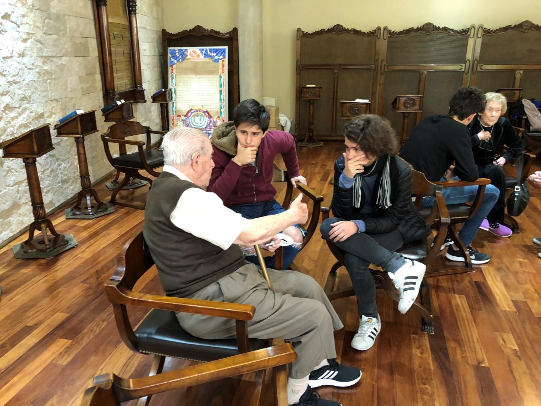 Como parte del Programa de Música, nuestros alumnos compartieron un hermoso momento junto a abuelos de LeDor VaDor y Jofesh