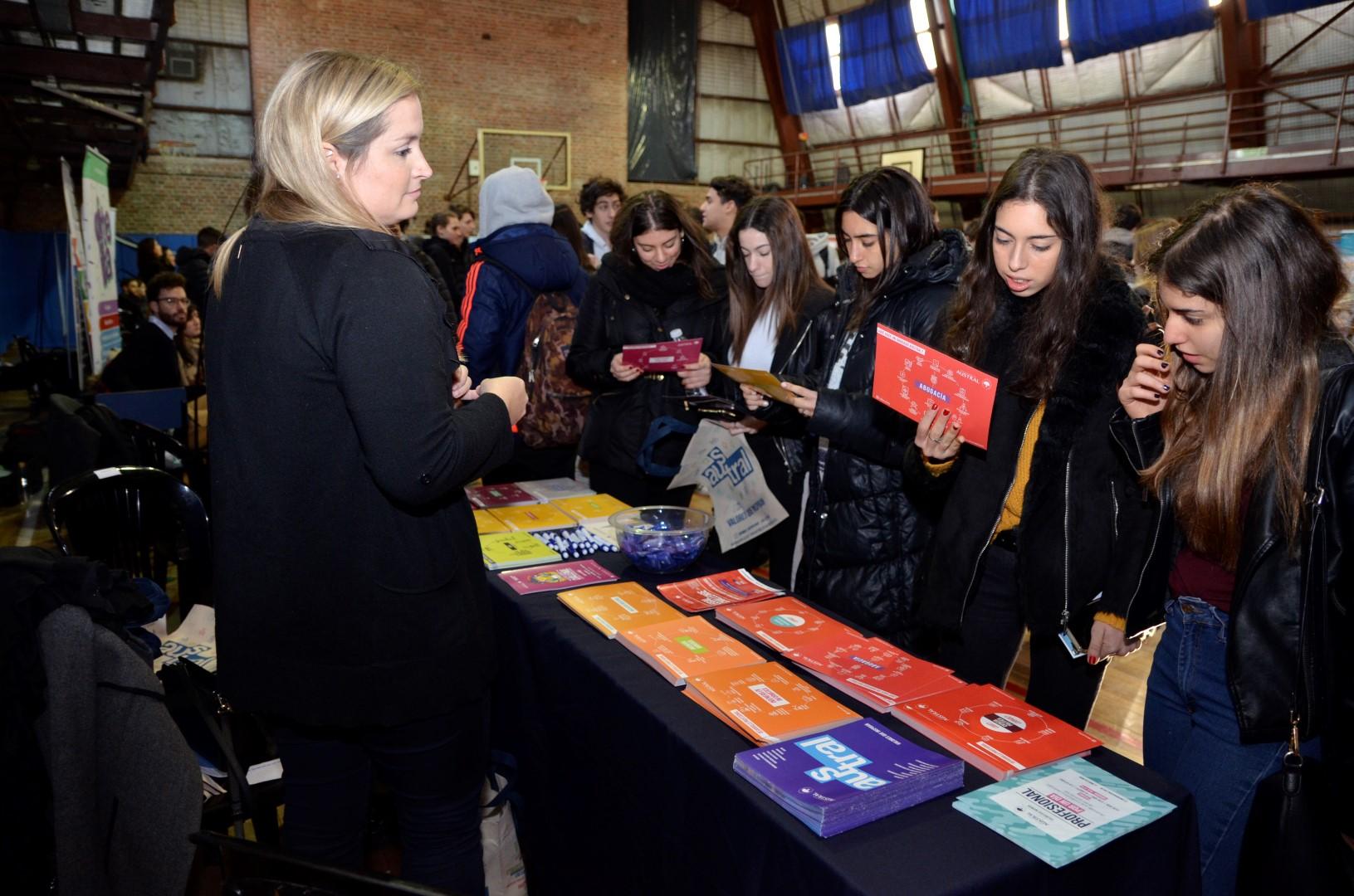 ExpoUniversidad invitó a los alumnos a pensar en sus proyectos vocacionales